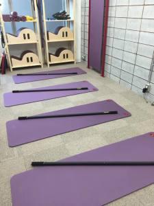 Yoga_pole